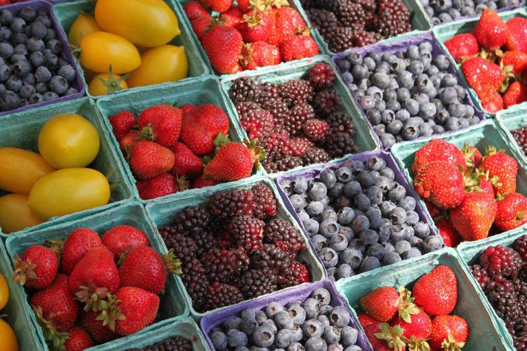 GRAB BREAKFAST AT A FARMERS MARKET